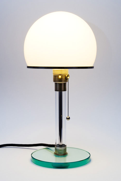La Lampe Gras No. 217 XL In And Out (Bildquelle: DWC éditions via archiproducts.com)
