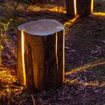 """""""Cracked Log Lamp"""": Designerlampe aus Holzstamm"""
