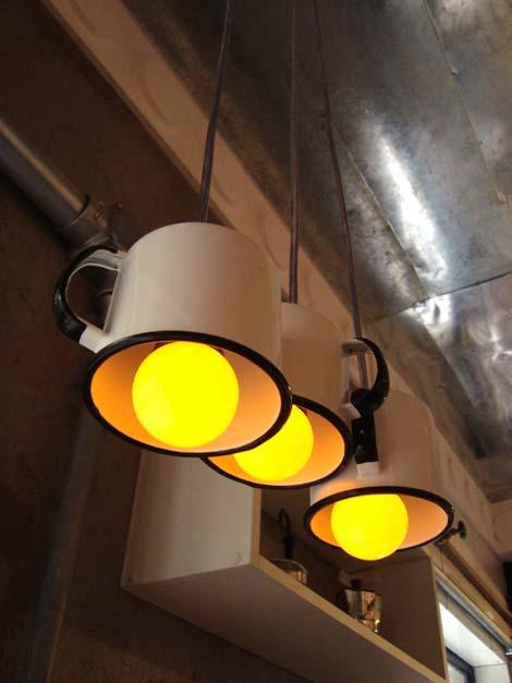 Lampe aus Besteck (Bild via www.architectureartdesigns.com)