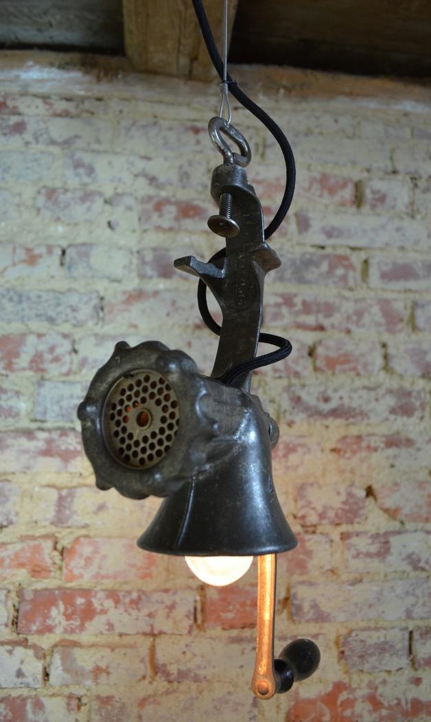 Lampe aus Fleichwolf (Bild: IndustrialKODesign / Etsy)