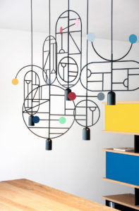 """Kreise, Punkte, Linien: Hängeleuchte """"Lines & Dots"""" von Goula / Figuera"""