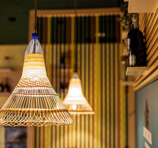 lampe aus flasche basia von das kleine b. Black Bedroom Furniture Sets. Home Design Ideas