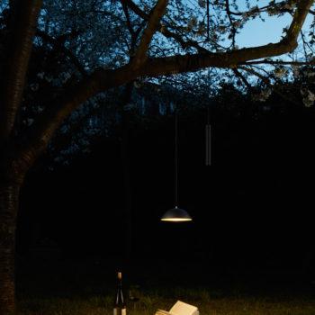 """Kabellose Leuchte """"Pong"""" von Simon Diener (Foto: Nyta)"""