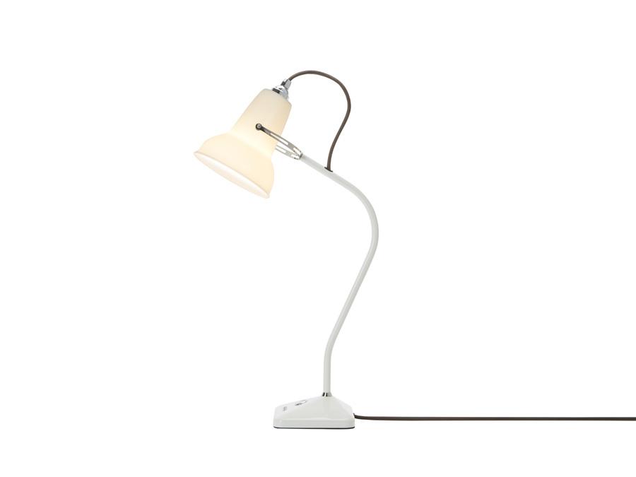 Anglepoise Original 1227 Mini: Tischleuchte mit Lampenschirm aus Bone China (Foto: Anglepoise)