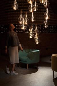 """Große Leuchte, diese Birne: LED-Glühlampe """"Voronoi III"""" von Tala"""