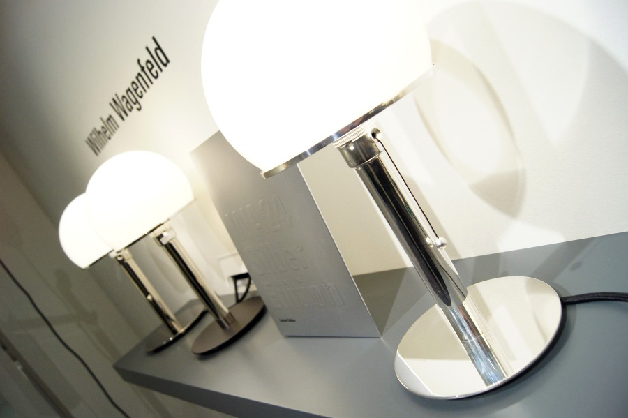 """Bauhaus-Leuchte """"WG24"""" von Wilhelm wagenfeld"""