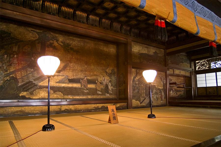 Bonbori-Leuchten in einem Tempel in Kyoto