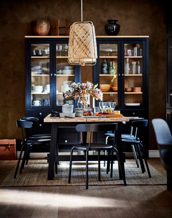 ´Wohn-Licht Trend 2021: Nachhaltige Flechtlampen (Foto: Knixhult von Ikea)